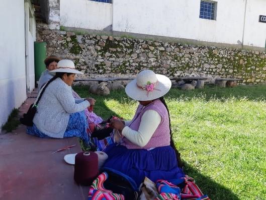 La Coordinadora de Mujeres Aymaras (CMA), prepara su nueva colección de moda