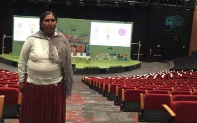 Desfile de la colección Baby Alpaca: Tejiendo Futuro de la Coordinadora de Mujeres Aymaras de Puno en Perú